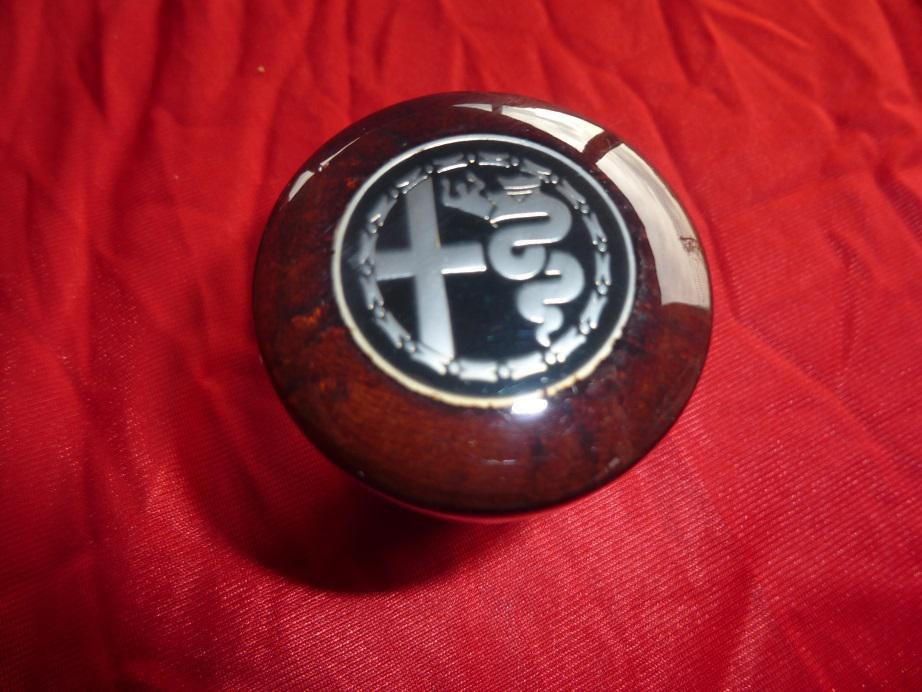 Alfa Romeo Type Wood Shift Knob Reddish Brown With Alfa Romeo - Alfa romeo shift knob