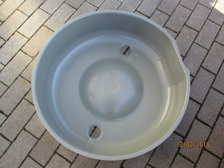 Alfa Romeo Bertone / GT spare wheel tub - restoration quality NEW ...