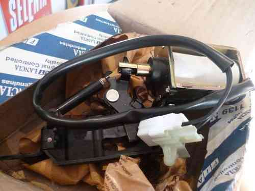 Original Lancia Lybra SX Kombi locking / opener for tailgate 46544566 NEW