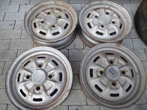 Original Lancia Fulvia 4 pieces FH rim 4.5 x 14 steel wheel with cap